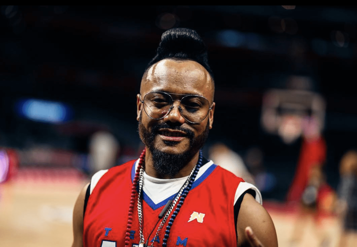 Filipino Heritage Night At The Clippers Game f. apl.de.ap of Black Eyed Peas