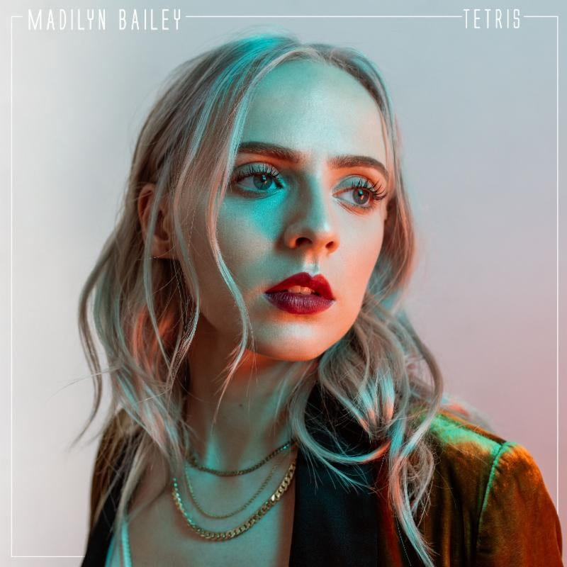 "Madilyn Bailey Is Playing ""Tetris"" On A Mattress"
