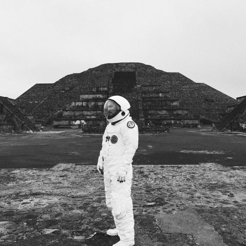 "Towkio Travels To Space In Debut Album ""WWW."""